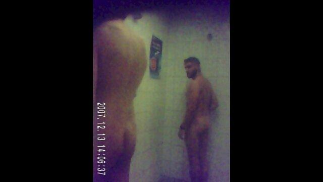 Melisa dà video porno da scaricare gratis un buon pompino per il suo fidanzato