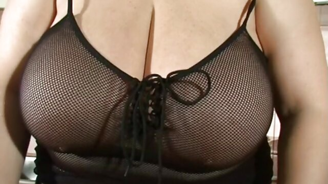Due bionda video da scaricare porno lavora su un cazzo