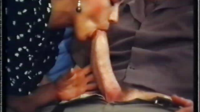 Due lesbiche eccitare chiunque porno film da scaricare