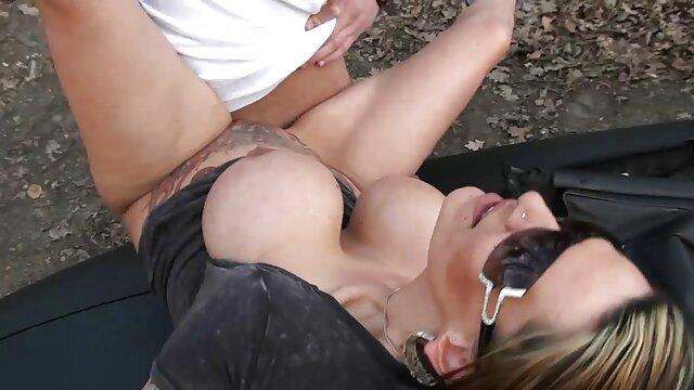 Caldo twink cum in il film porno da scaricare gratis bocca di un procace biondo