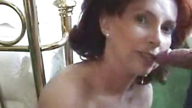 Dilettante pompino di video xxx da scaricare un corneo slut all'aperto