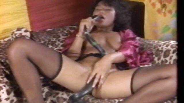 Teen Kamila siti per scaricare film porno ottiene il suo buco anale e puffy figa piena di cazzo